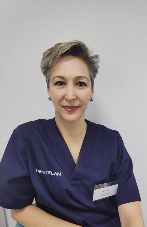 dentista-puente-de-vallecas-luz-saldarriaga-doctora