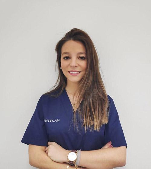 dentista-puente-de-vallecas-silvia-nieto-doctora
