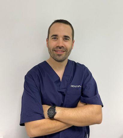 dentista-puente-de-vallecas-dr-aceroMiguel